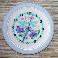 betty5x7 dragonfly clock72.jpg (87216 bytes)